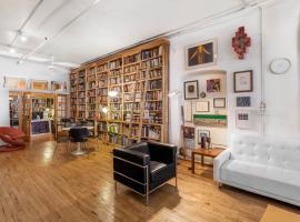 Hotel photo: Library Loft
