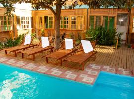 Hotel Photo: Parron de Colores Hostel B&B