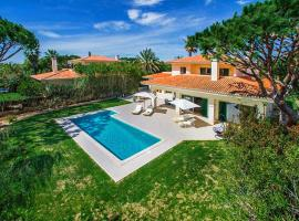 Hotel photo: Almancil Villa Sleeps 6 Pool Air Con WiFi T607846