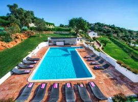 Hotel photo: Almancil Villa Sleeps 18 Pool