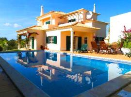 Hotel photo: Almancil Villa Sleeps 6 Pool Air Con WiFi T479997