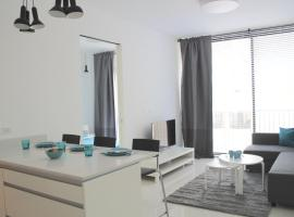 Hotel photo: Alenby 29-High-Class Living In City By The Beach