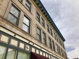 A picture of the hotel: Historic Mid-Century Loft in Central Denver