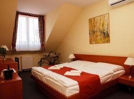 Hotel photo: Lipa Hotel és Étterem