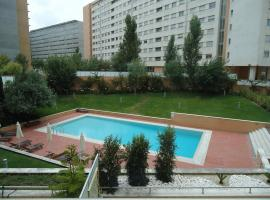 Hotel Photo: Lisbon Airport Luxurious Condominium Apartment