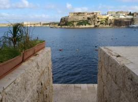 Hotel Photo: Sea Front Birgu Apartment