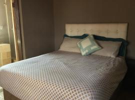 Hotel photo: Mogale Guest House