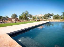 호텔 사진: Sineu Villa Sleeps 6 Pool Air Con WiFi