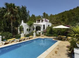 Hotel photo: Sant Joan de Labritja Villa Sleeps 8 Pool WiFi