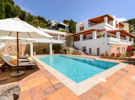 Hotel photo: Puig d'en Valls Villa Sleeps 10 Pool Air Con WiFi
