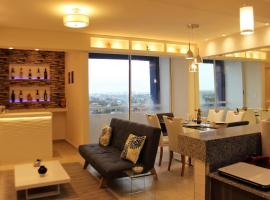 Foto di Hotel: Luxury Design Condo