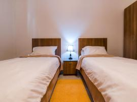 Hotel photo: Qawra - Large Central 3 bedroom Apartment (Sleeps 5)
