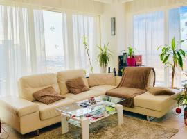 Hotel photo: Stunning one bedroom apartment with full sea view