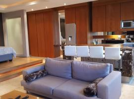 A picture of the hotel: 1606: The Franklin Luxury Penthouses