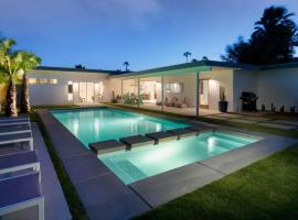 Hotel photo: Luxury Villa with Pool and Garden