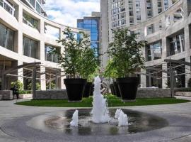 Hotel photo: Luxury condo in Midtown Toronto