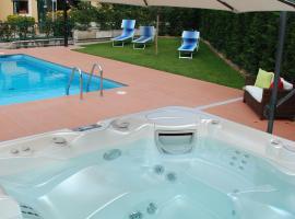 A picture of the hotel: Hotel La Pergola