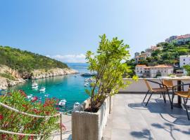 Photo de l'hôtel: Seafront Apartment With Amazing Seaview
