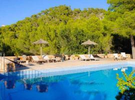 Hotel photo: Felanitx Villa Sleeps 9 Pool Air Con