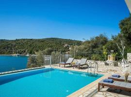 Hotel Photo: Ithaki Villa Sleeps 7 Air Con WiFi