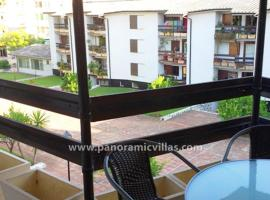 A picture of the hotel: Fuengirola Apartment Sleeps 6 Air Con WiFi