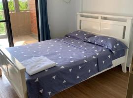 Hotel photo: 2 Bedroom @ Birchwood Acacia