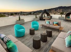 Hotel photo: Onyx by Synergy