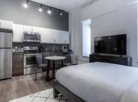 Hotel photo: QLINE KING Studio with Wi-Fi, Cable and Coffee