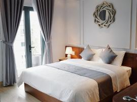Hotel near Hạ Long