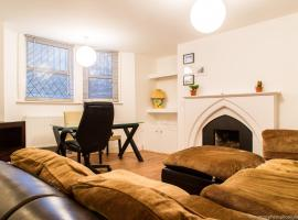 Hotel photo: Cosy Grand Parade Lower Ground 1-Bed Brighton Flat