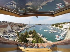 Hotel photo: Hvar attic modern design - town center with a great view