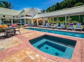Hotel Photo: Luxurious ocean front beach house