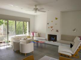 Ξενοδοχείο φωτογραφία: Comfortable beach villa for 6