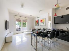 Hotel photo: Huge Luxury 3BR Apartment with Gym- Near the Beach