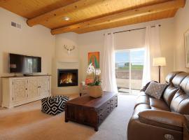 Hotel photo: Santa Fe Country Club Home