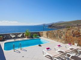 Hotel photo: Puerto Calero Villa Sleeps 6 Pool Air Con WiFi