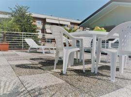Hotelfotos: Apt in villa vicino al mare 100 m²