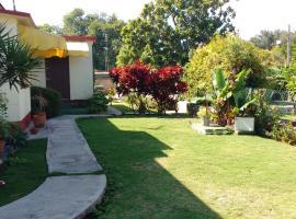 Hotel photo: Hostal Magda y Gilber- next to Josone Park in the heart of Varadero