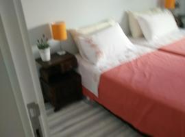 Hotel fotografie: Lisboa, casa no centro histórico em Almada