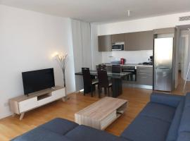 Fotos de Hotel: Luxury Apartment in Aglantzia