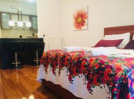 Hotel photo: West side gallery apartments 3