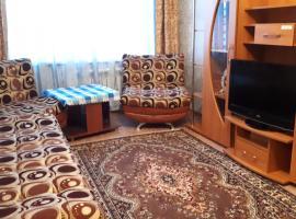 Hotel fotoğraf: Apartment on Zh. Saina Street 30B