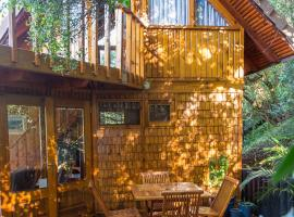 Hotel photo: The River Treehouse