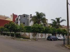 ホテル写真: Grande villa dans un quartier tres calme