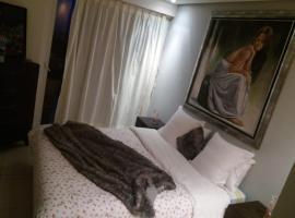 Hotel photo: melrose beach