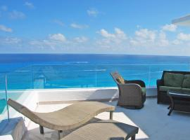 Hotel photo: By Tim M - Penthouse #3000 - on the Beach in the Cancun Hotel Zone