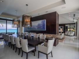 Hotel photo: Beautiful Villa Pool/Cinema
