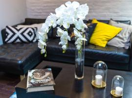 Hotel photo: Amazing Soho Apartments with Private Backyard