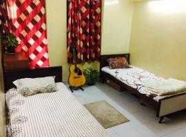 Hotel photo: Near airport 1RK shared apartment clean & comfortable Stay