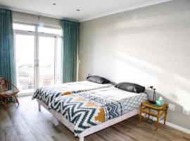 Hotel fotografie: Brand new house right on the beach